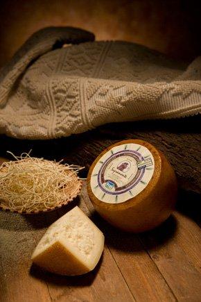 Pecorino Sardo Dop maturo. 3 kg. Halbgewürzter Schafskäse, hergestellt von Sepi Formaggi auf...