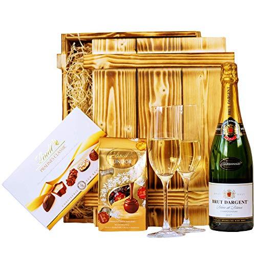 Geschenkset Nizza | Geschenkkorb gefüllt mit Sekt Brut Chardonnay, Lindt Pralinen & Holzkiste |...
