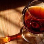 Hennessy Cognac mit Glas und Gravur